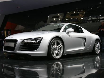 0610_z2008_audi_r8front_three_quarters.jpg