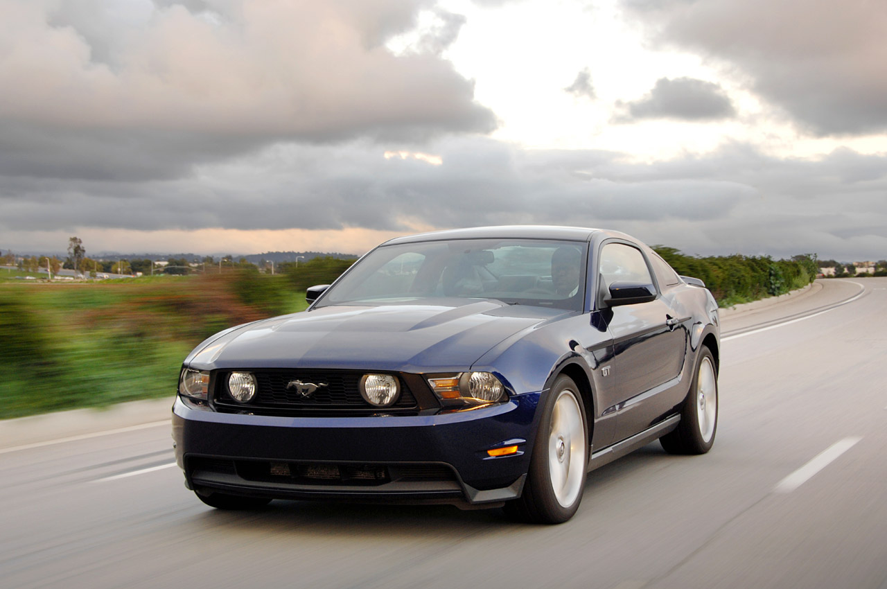 2010 ford mustang gt autos craze autos blog. Black Bedroom Furniture Sets. Home Design Ideas