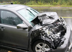 800px-car_accident