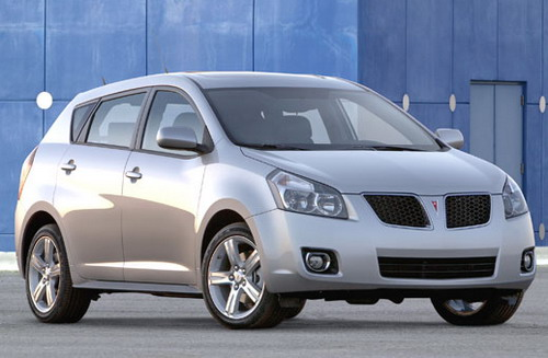 pontiac-vibe attractive and safe car for your teens