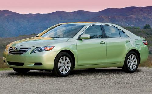 toyota-camry-hybrid-environment-friendly-car