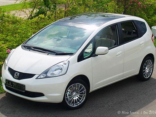 top 5 fuel economy cars autos craze autos blog. Black Bedroom Furniture Sets. Home Design Ideas