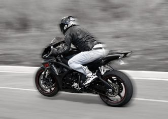 5 Safety Tips Seasoned Bikers Swear By