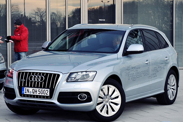 2012 audi q5 a review. Black Bedroom Furniture Sets. Home Design Ideas