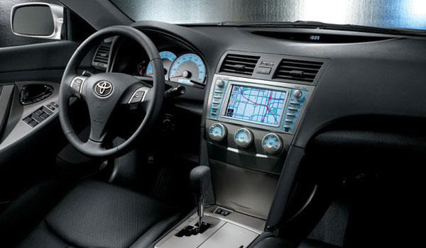 2012 Hyundai Genesis Vs 2012 Toyota Camry