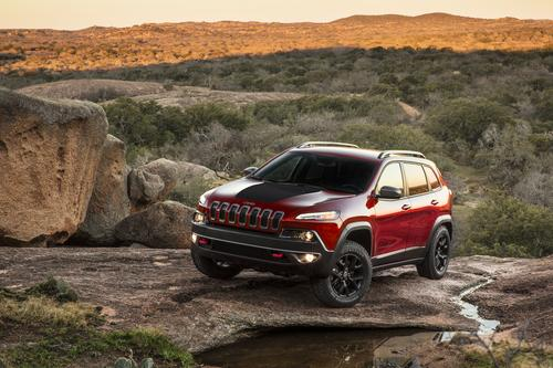 2014 Jeep Grand Cherokee makes its punchy statement in style and economy