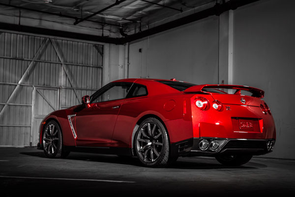 nissan reveals pricing of the latest gt r models for the us market autos craze autos blog. Black Bedroom Furniture Sets. Home Design Ideas