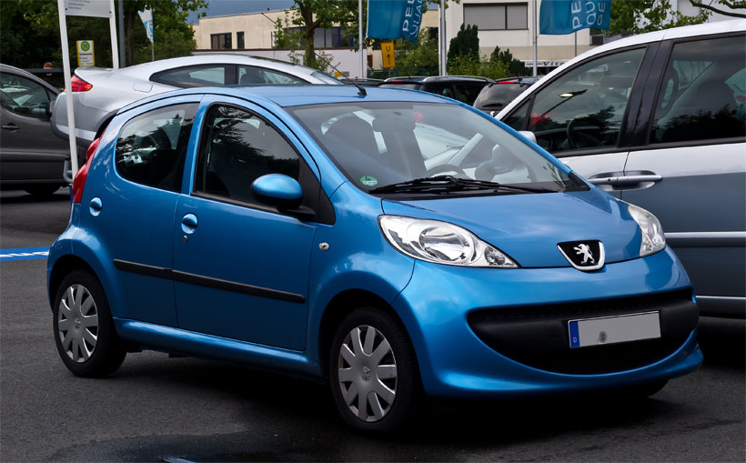 a better look at the peugeot 107: the perfect car for first-time