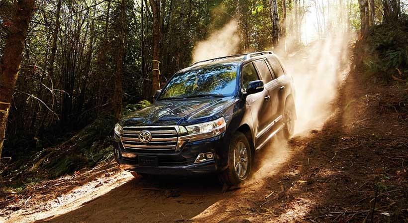 2016-Toyota-Land-Cruiser