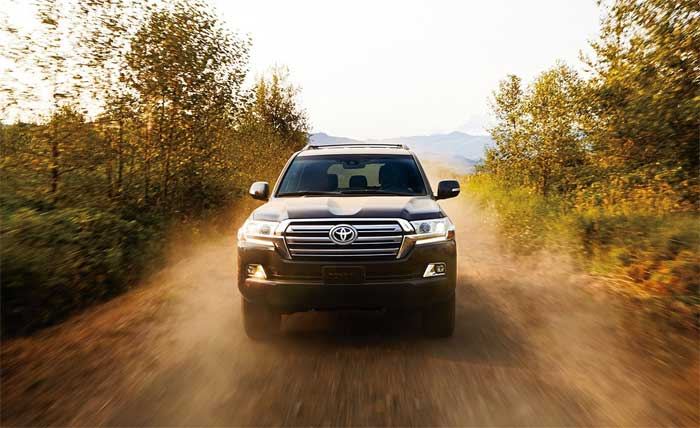 2016-Toyota-Land-Cruiser