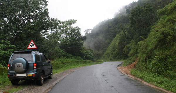 5 Places Not to Miss while Mixing Road-Trips with Monsoons